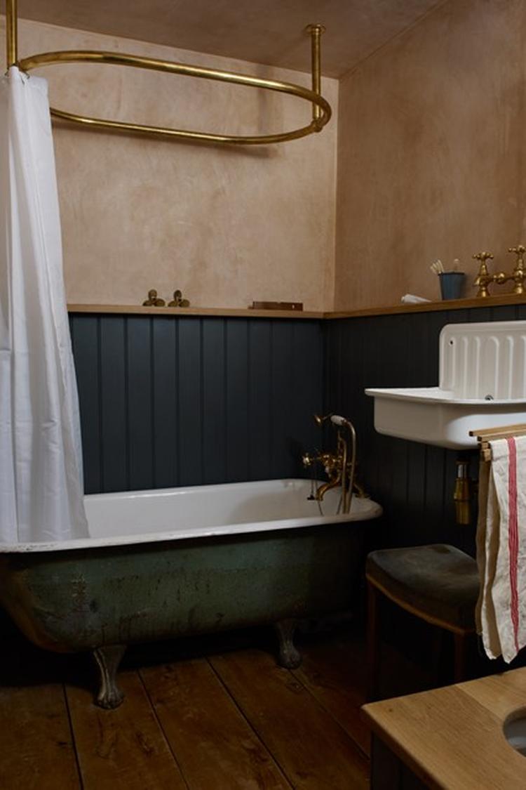 badkamer lambrisering. Foto geplaatst door koenele op Welke.nl