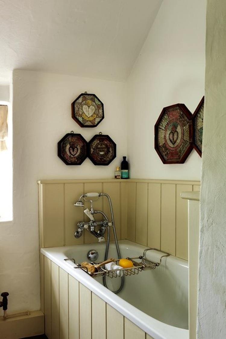 lambrisering badkamer. Foto geplaatst door koenele op Welke.nl