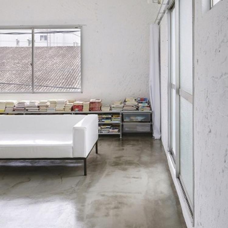 Industriële vloer - industrieel interieur - industriële woonkamer ...