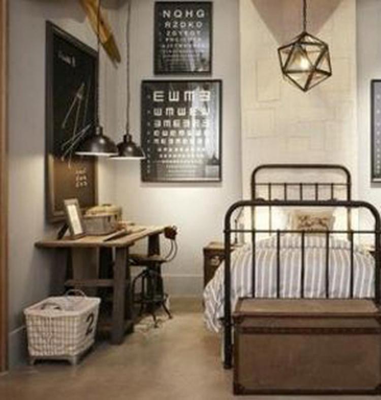 Stoere, industriële slaapkamer . Foto geplaatst door koenele op Welke.nl