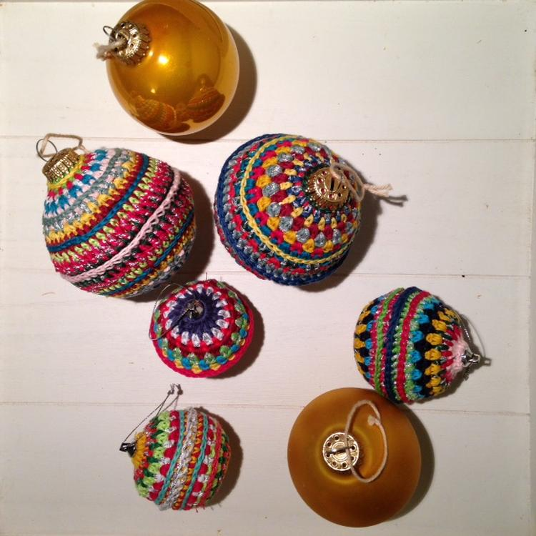 Opgepimpte Kerstballen Haken Volgens Patroon Van Purl Soho Kerst