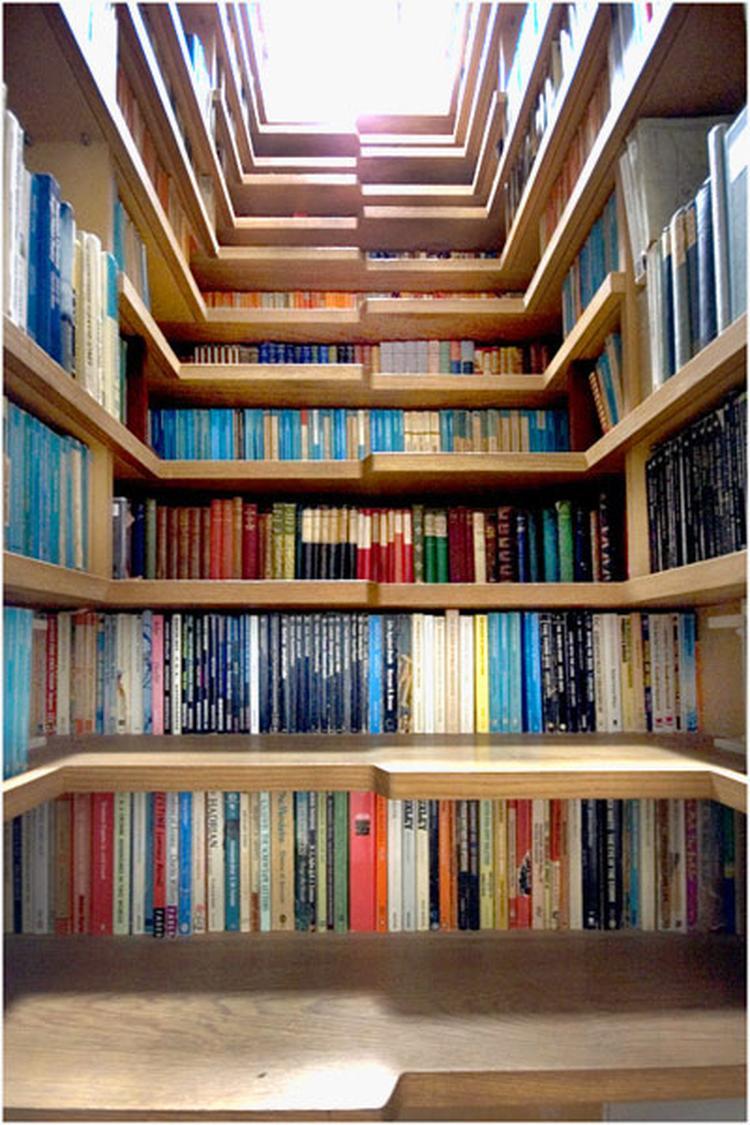 Trap als boekenkast. Een hele creatieve boekenkast geïntegreerd in ...