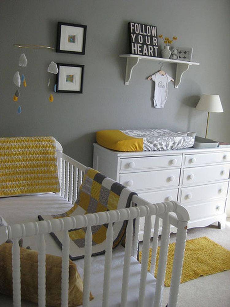 babykamer in wit grijs en geel (klein accent zwart). mooi!!. foto, Deco ideeën