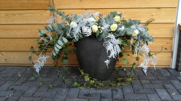 Grote Hoge Plantenpot.Kerstbloemwerk In Hoge Pot Foto Geplaatst Door Gouweleeuw71 Op Welke Nl