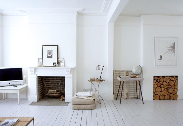 Witte Zweedse Woonkamer : Witte woonkamer met houtkleurige accenten deze hele woonkamer is