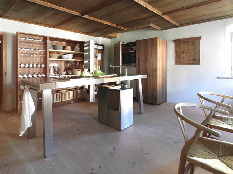 Moderne keuken in monumentaal pand. Deze bijzondere keuken geeft ...