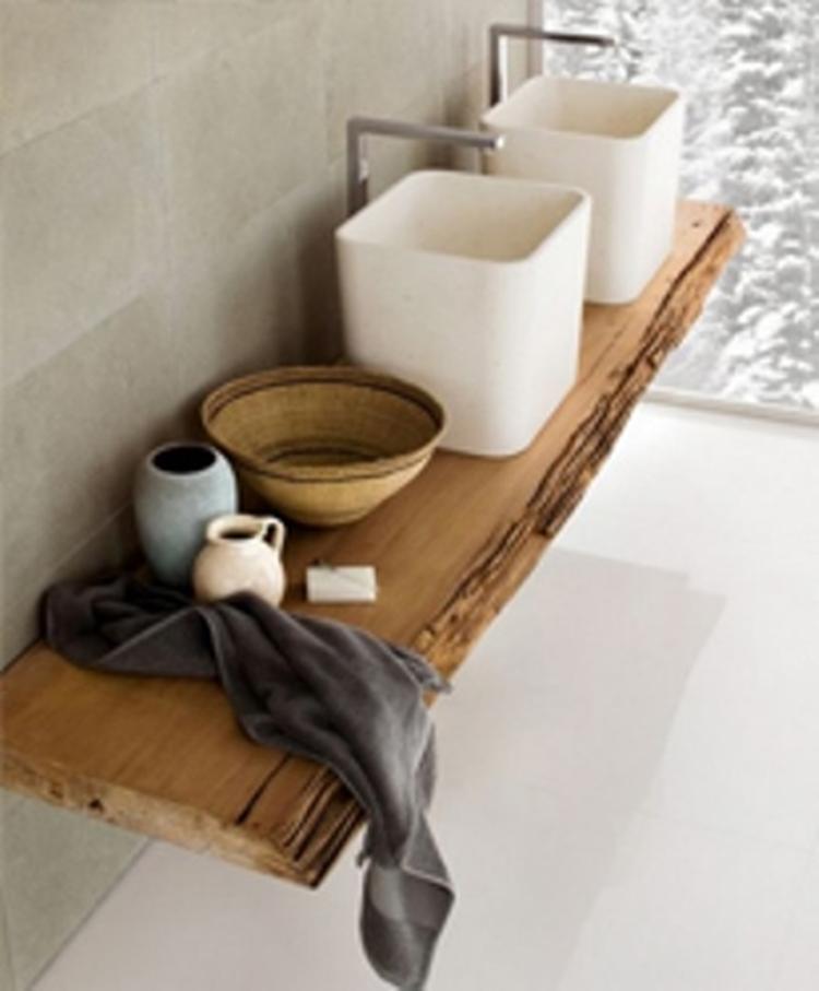 Mooie houten plank voor in de badkamer. Foto geplaatst door mariekef ...