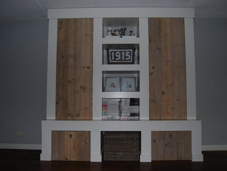 Idee voor de opbergkast in de woonkamer. Foto geplaatst door ...