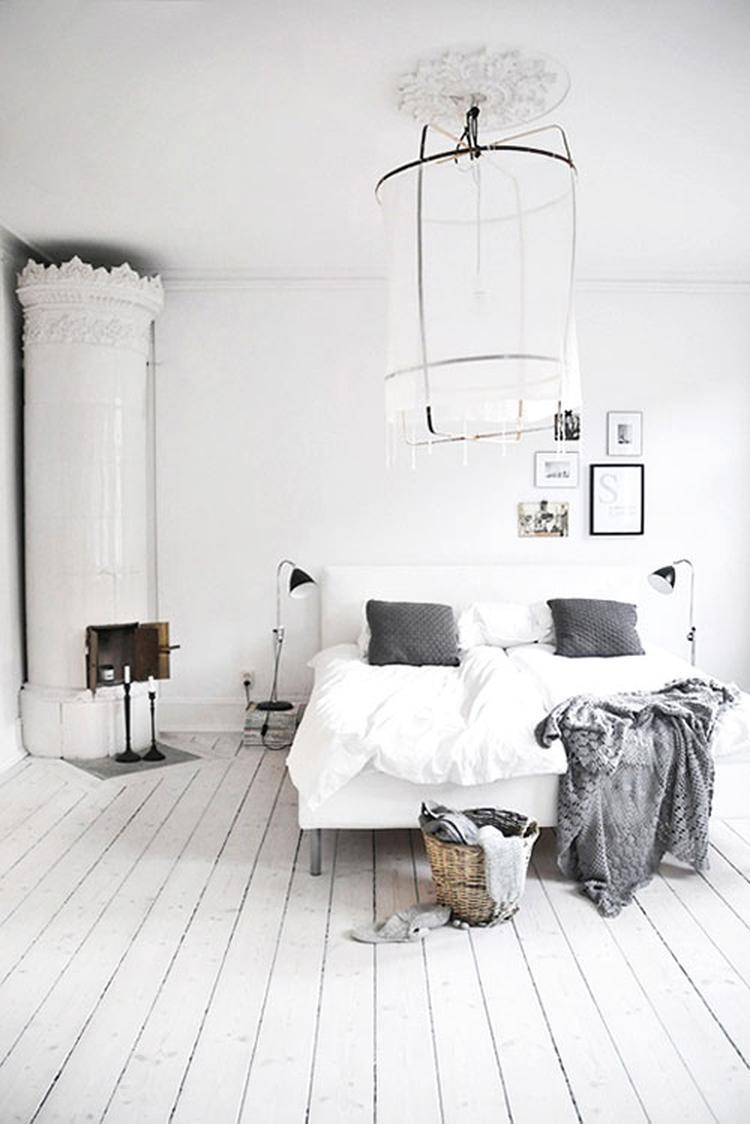 Mooi houten vloer bij glad gestucte muren, lekker wit! - foto van ...