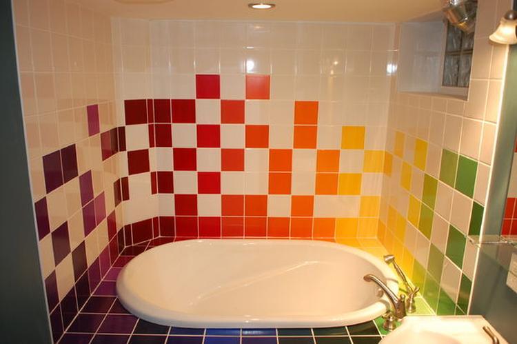 regenboog badkamer tegels. Foto geplaatst door toerzeilster op Welke.nl