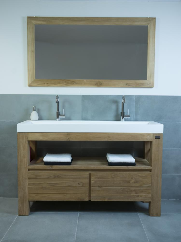 badmeubel hout solid surface wastafel hotbath buddy wastafelkraan houten badkamer spiegel 2