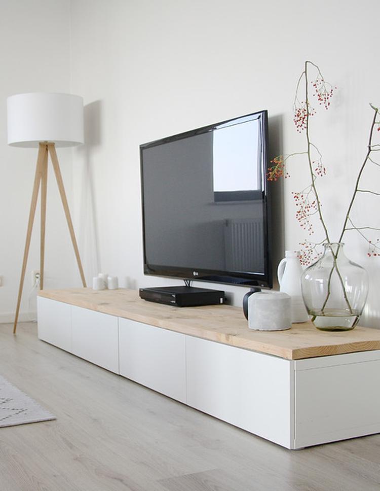 Ikea Houten Ladekastje.Ikea Besta Tv Meubel Met Houten Blad Foto Geplaatst Door Hanneke78