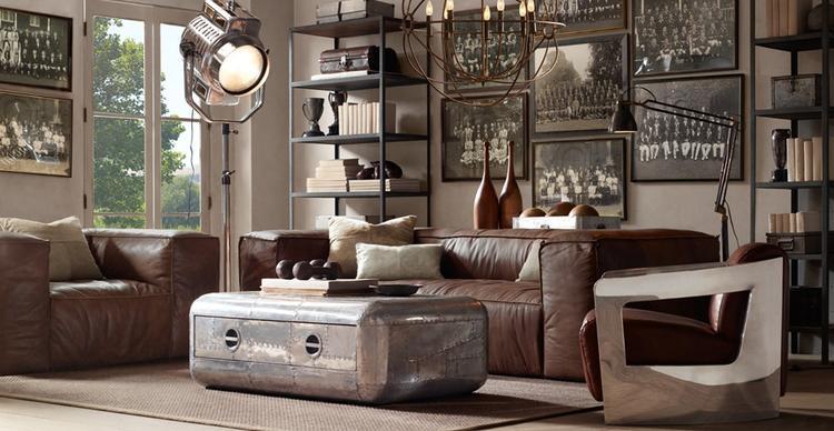 Warme woonkamer. Accessoires maken de sfeer. Misschien een beetje ...