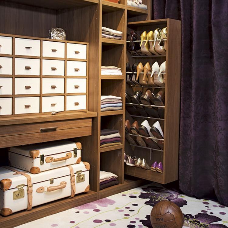Schoenen Opbergen Aan De Deur.Mooie Opbergruimte Voor Schoenen Handig Met Al Die Laatjes