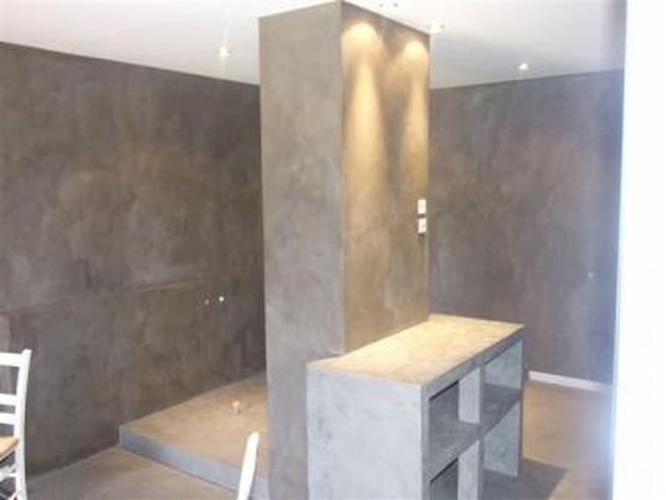 Meubels en muren van beton ciré.. Foto geplaatst door Denize op Welke.nl
