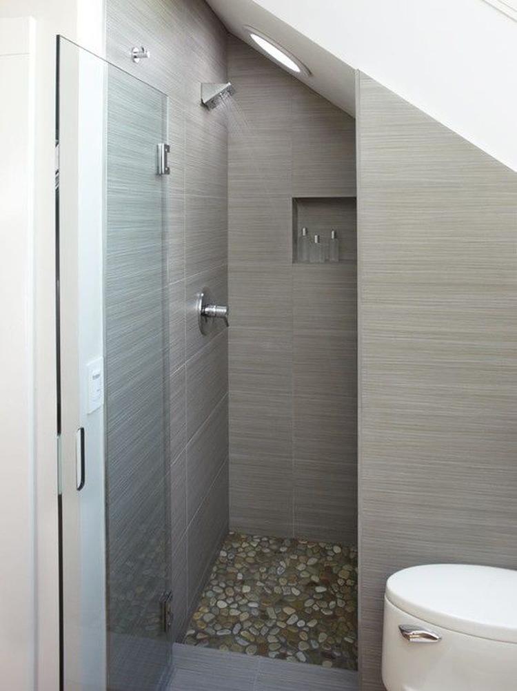 douche onder schuin dak. Foto geplaatst door DAB op Welke.nl