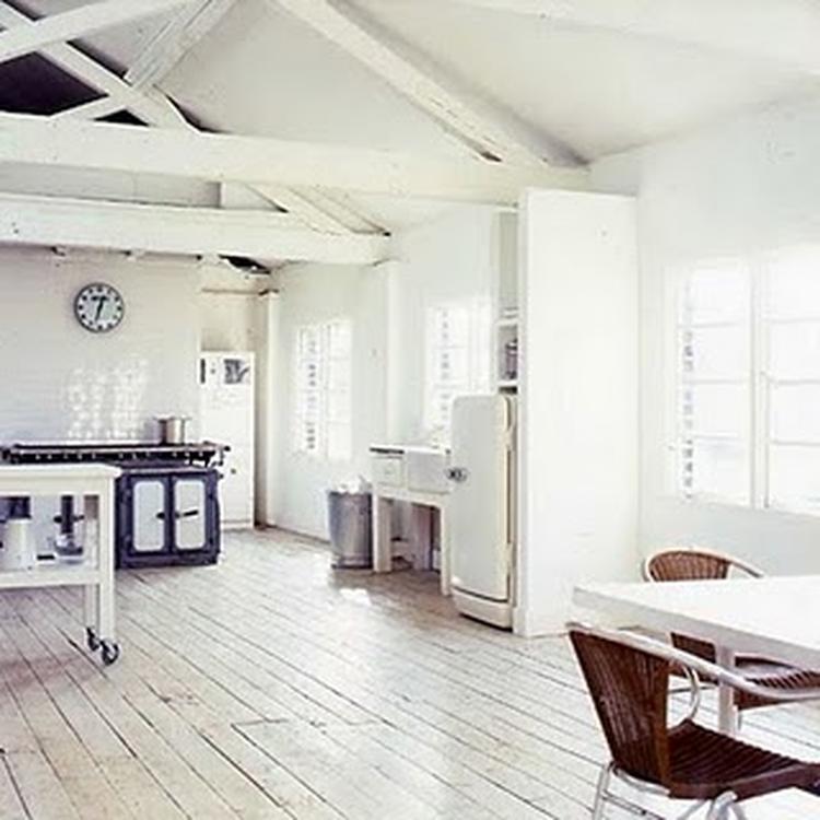 witte houten vloeren 2. witte houten vloeren . foto geplaatst door