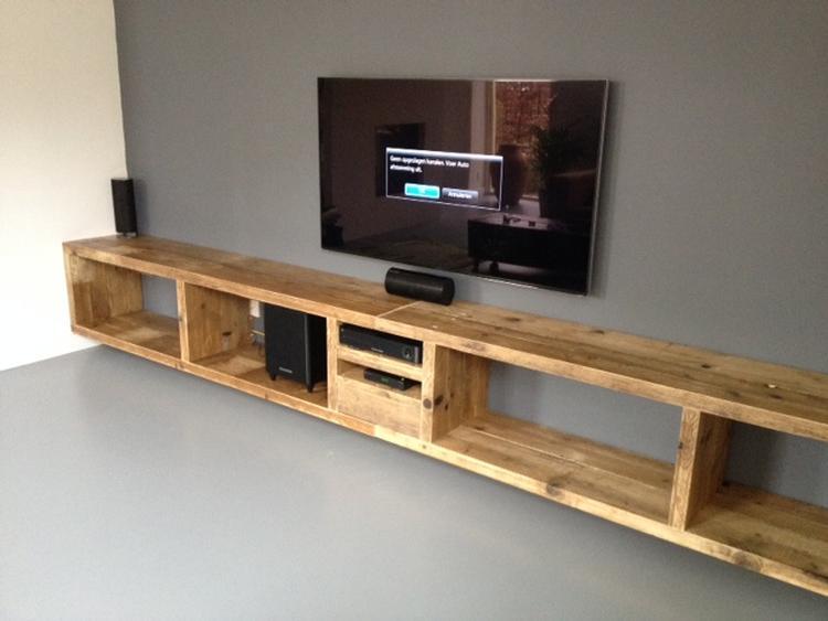 Tv Meubel Zwevend Hout.Zwevend Tv Meubel Van Oud Steigerhout Foto Geplaatst Door