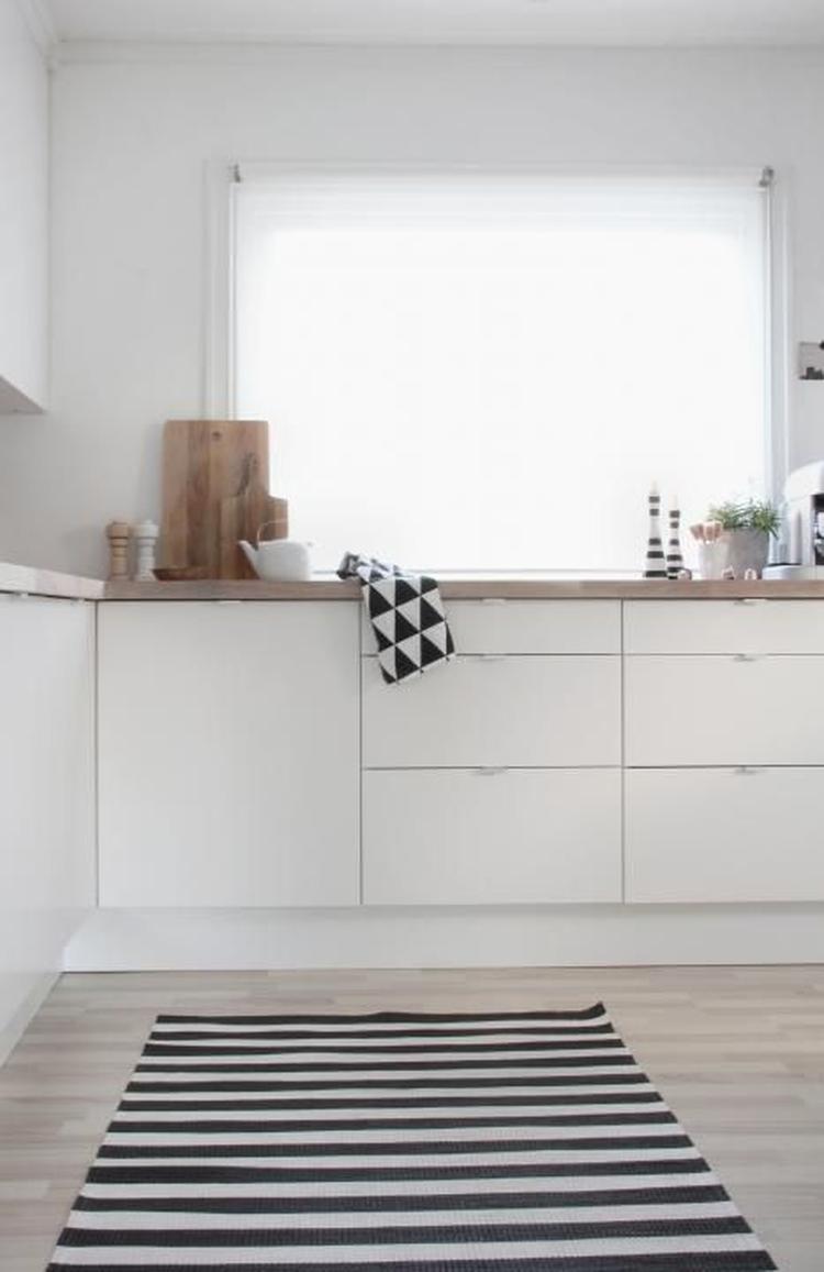 Witte keuken met houten werkblad interieur meubilair idee n - Witte keuken met zwart werkblad ...
