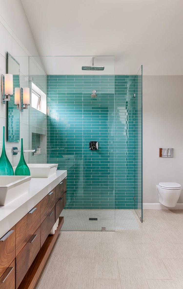 5x badkamers met turquoise tegels - Alles om van je huis je Thuis te ...