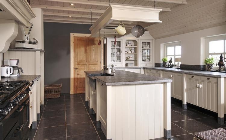 Stoere landelijke keuken. foto geplaatst door heidy73 op welke.nl