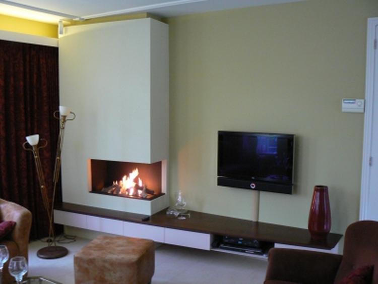 Hoek openhaard met tv meubel. foto geplaatst door bixase op welke.nl