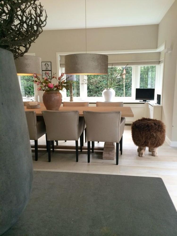 Stijlvol interieur met prachtige vloer . Foto geplaatst door ...