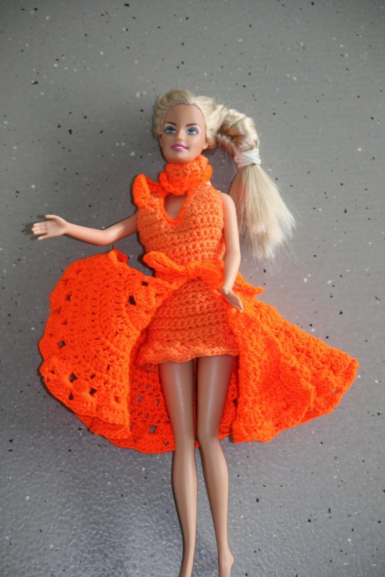 Dochterlief Had Het Gehad Met De Beschikbare Barbie Kleedjes Heb
