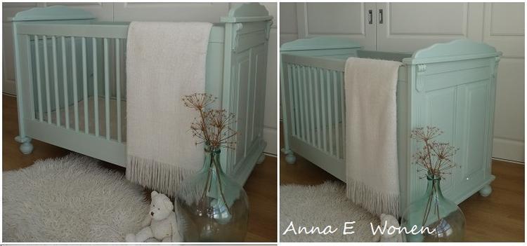 Wit Brocante Ledikant.Brocante Ledikantje Voor De Babykamer Door Anna E Wonen In Pastel