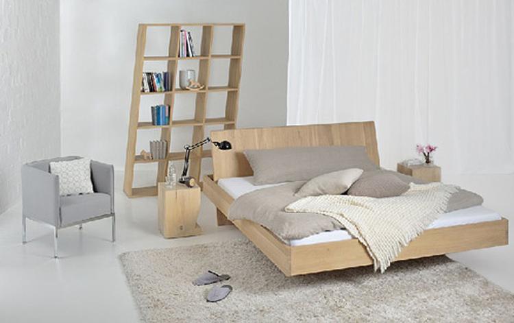 Slaapkamer met minimalistisch bed. slaapkamer met minimalistisch bed