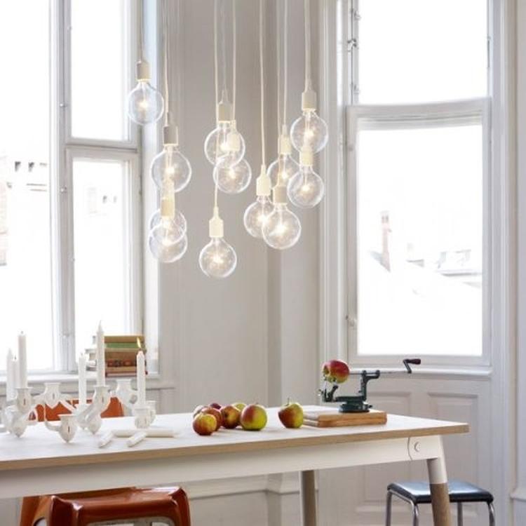 Gaaf.. alleen wat mooie peertjes als lamp boven de eettafel. Lampen ...