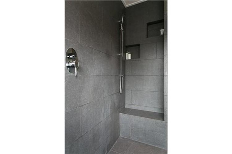 Simpel Pure Badkamer : Simpele douche maar wel met bankje foto geplaatst door silvestra