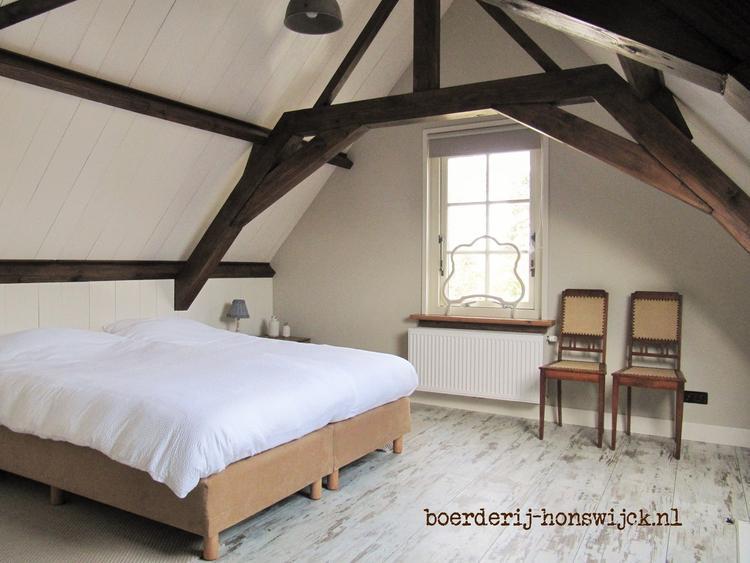 Landelijk Wonen Slaapkamer : Slaapkamer in landelijke en romantische sfeer bij boerderij