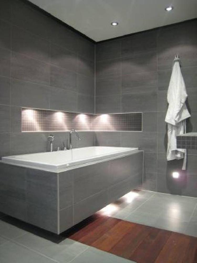 Badkamer - nis boven bad. . Foto geplaatst door kh2011 op Welke.nl