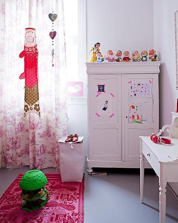 Oude houten linnen kast roze verfen vt wonen. foto geplaatst door ...