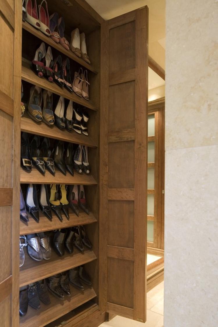 Schoenenkast Te Koop.Enorme Schoenenkast Foto Geplaatst Door Saskiameyer Op Welke Nl