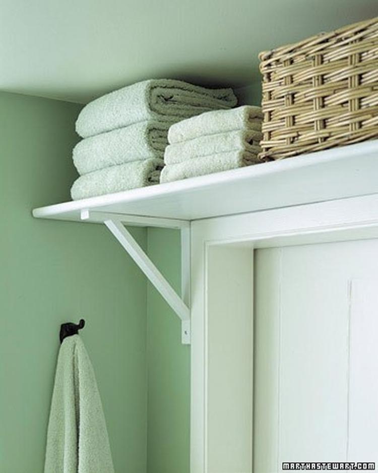 Plank Met Mooie Plankdragers Ikea Boven De Deur Staat