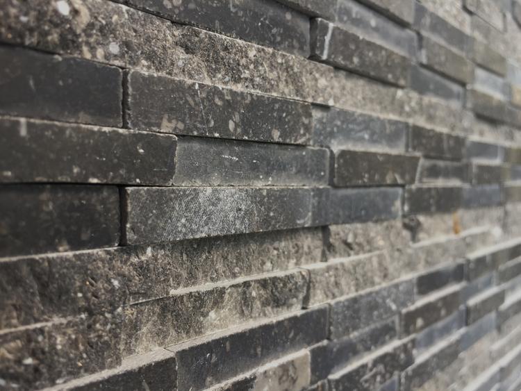 Natuursteen Strips Badkamer : Robuuste steenstrips voor een stoere buitenmuur uit de collectie van
