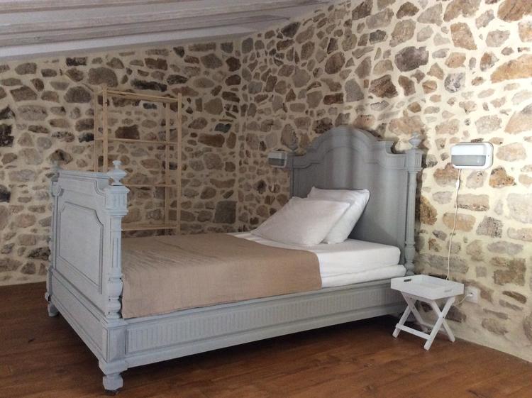 Oud Brocante Bed.Oud Frans Bed Gekocht Op Een Brocante In Pensol Frankrijk