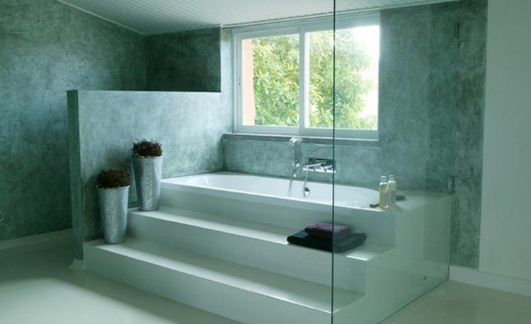 Super idee deze trap in je badkamer bekleden met marmorino floor