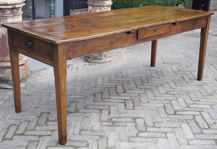 Vetvlek op houten tafel waarom hout kleuren with vetvlek op