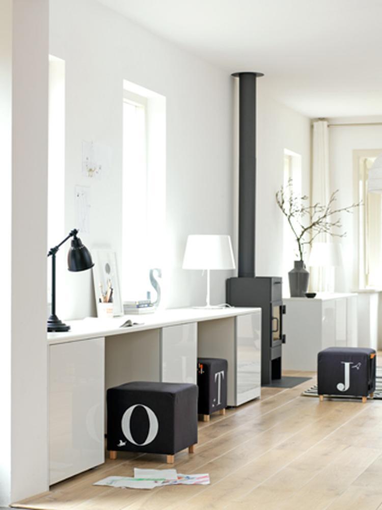 Opberg en werkplek voor speelgoed in woonkamer. Foto geplaatst door ...