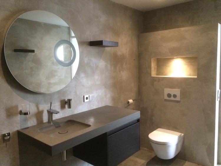 Betonlook. Badkamer in Beton Cire door Beton Cire Centrum. Foto ...