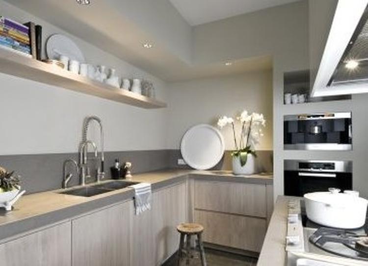Bekend keuken met mooie ombouw. Foto geplaatst door jootje69 op Welke.nl BZ51
