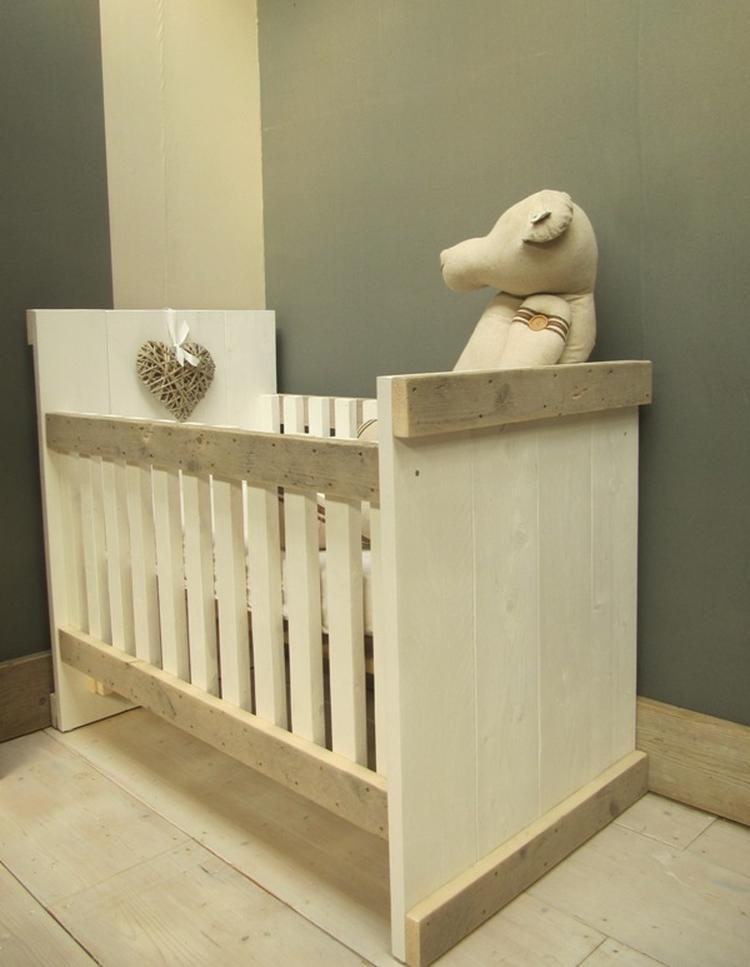 Babykamer Steigerhout Wit.Steigerhout Ledikant Voor In De Babykamer Foto Geplaatst Door