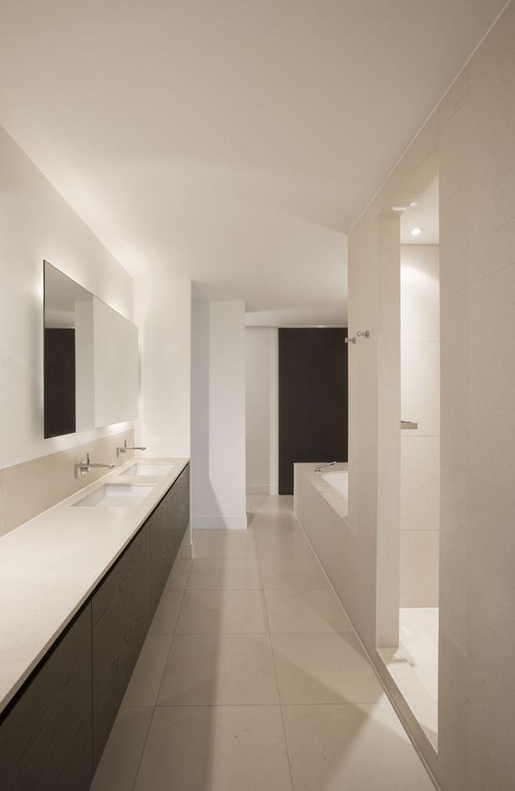 strak wit badkamer. Foto geplaatst door gos op Welke.nl