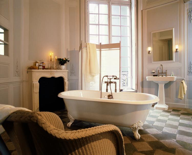 Simpel Pure Badkamer : Luxe badkamer met axor montreux kranen de sfeer van deze badkamer