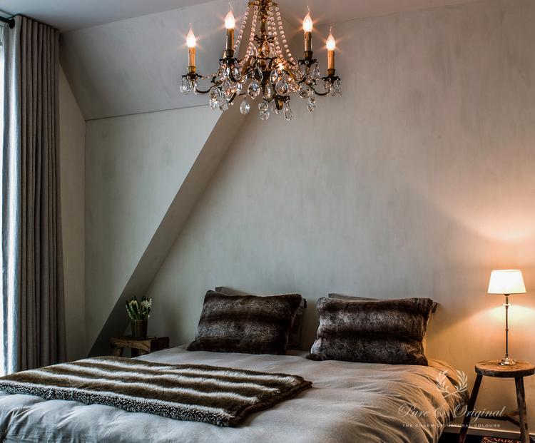 Plaatje deze slaapkamer. Op de wanden zit de Kalkverf van Pure &amp ...