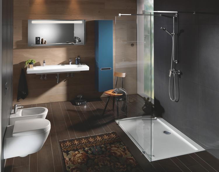 Moderne badkamer van Villeroy & Boch met Subway 2.0 serie. Deze ...
