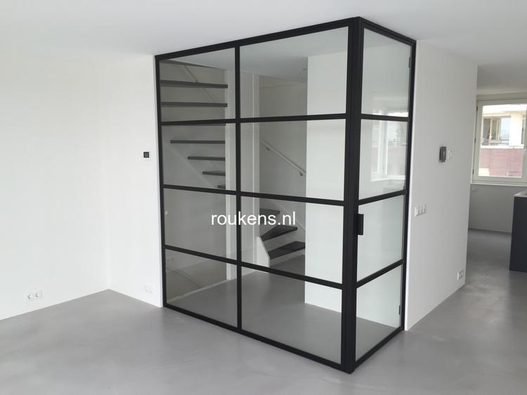 Tocht portaal van staal en glas Authentieke stalen deuren en ...